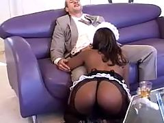 Round ass ebony housemaid sucks rod