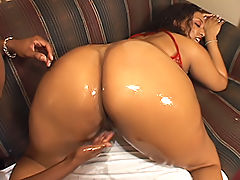 Thick black babe milks a cock dry