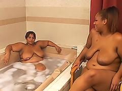 A warm bath turns into a black BBW pussy licking paradise